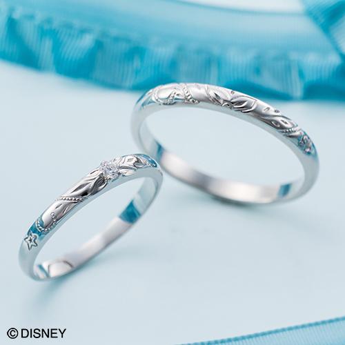 指輪1本1本に繊細な彫りが施されたとっても素敵なマリッジリング。