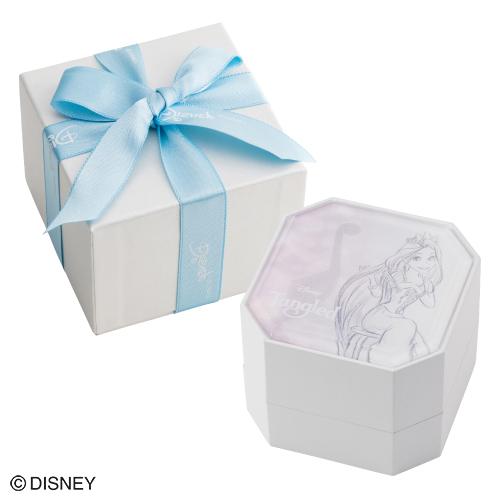 淡いお色が女性らしさを感じられます。飾っておくのも素敵なお箱です。