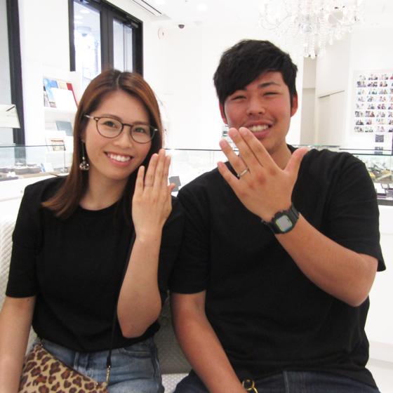 出来たばかりのご結婚指輪をはめて撮影♡とっても素敵なお二人でした!