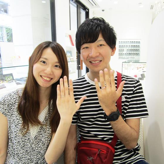 >お洒落でさわやかなお二人にぴったりなご結婚指輪をお選び頂きました!