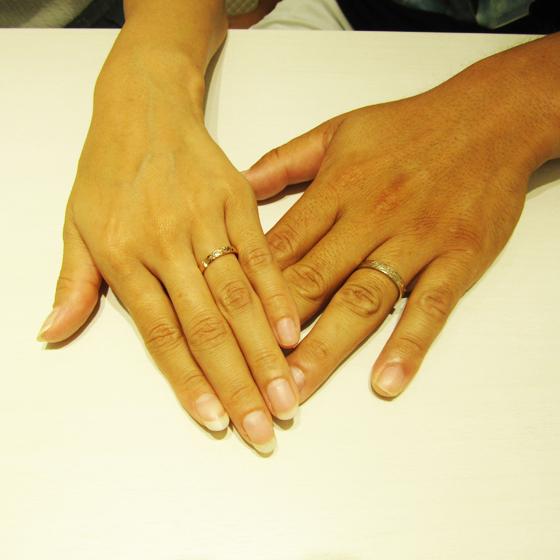 >お指の綺麗なお二人にピッタリなハワイアンジュエリーをお選び頂きました!