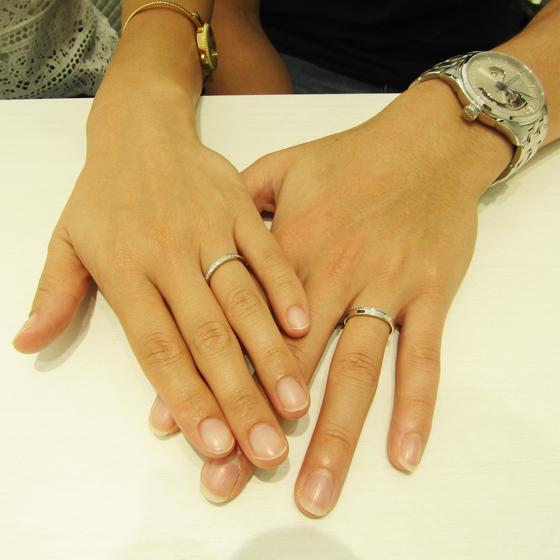 >お二人の綺麗なお指にぴったりの結婚指輪が出来上がりました!