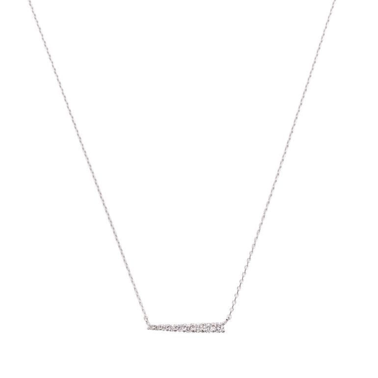 グラデーションにセッティングされたダイヤモンドが美しく輝くネックレス。