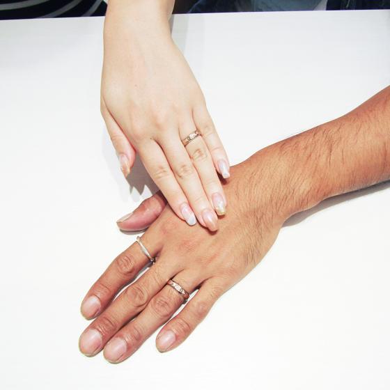 >最近は結婚指輪でハワイアンジュエリーを選ばれる方がとっても増えております!