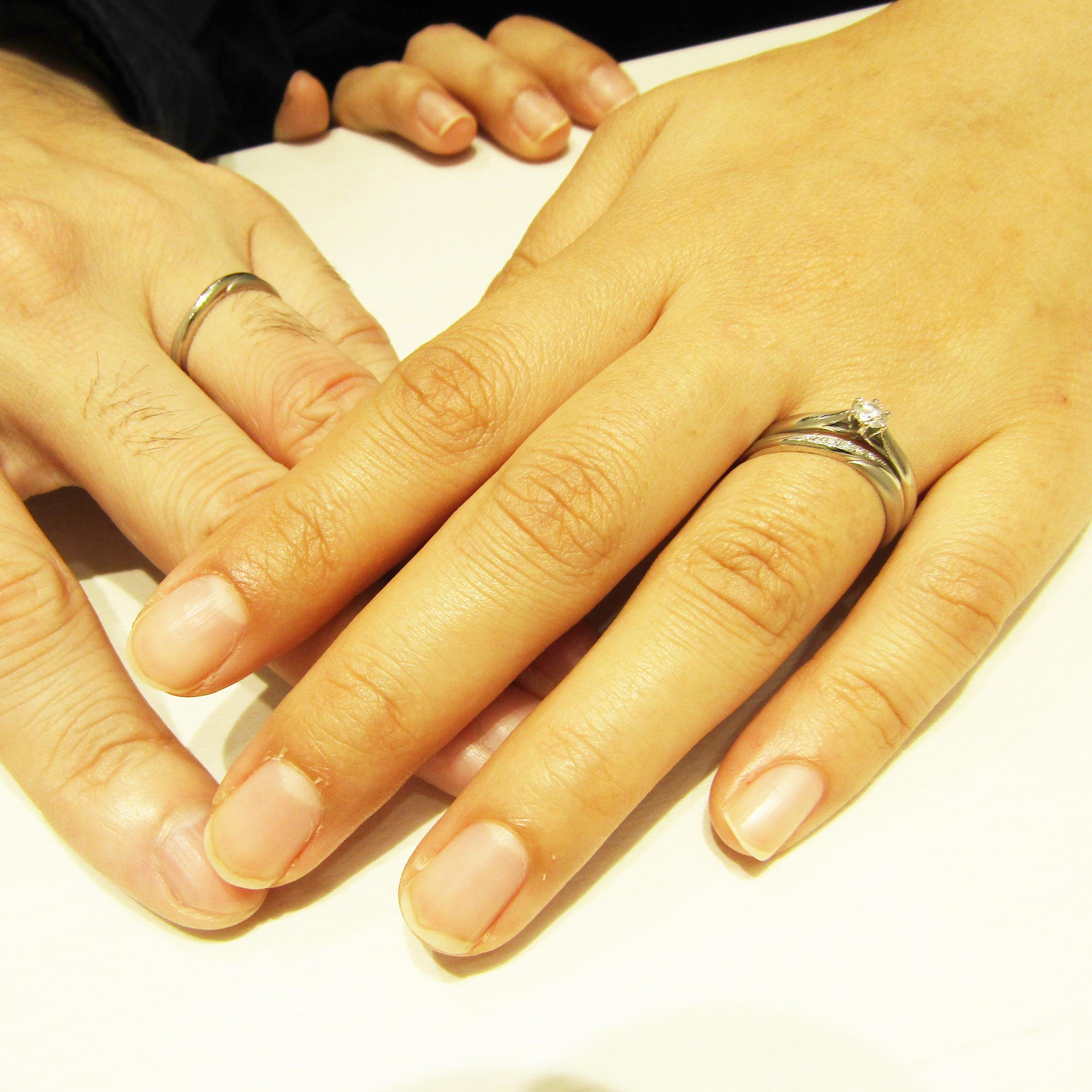 >結婚指輪と婚約指輪の組み合わせも素敵です!