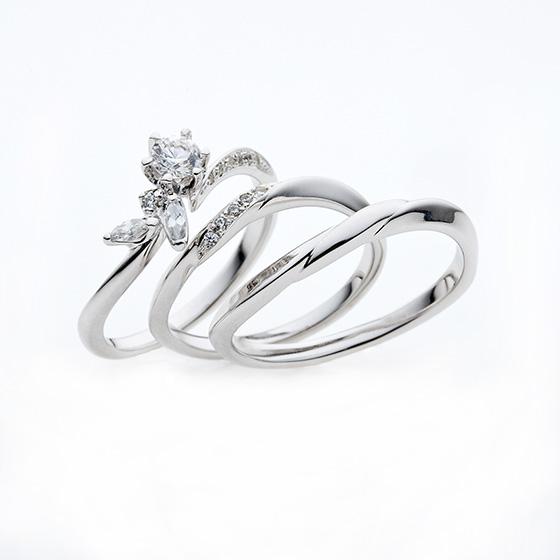 華やかなエンゲージリングが特徴的で、マーキスダイヤモンド独特の輝きがお楽しみいただけます。