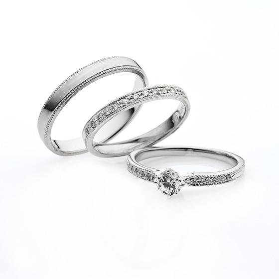 一列に並べられたダイヤモンドの輝きがゴージャスなセットリングです。