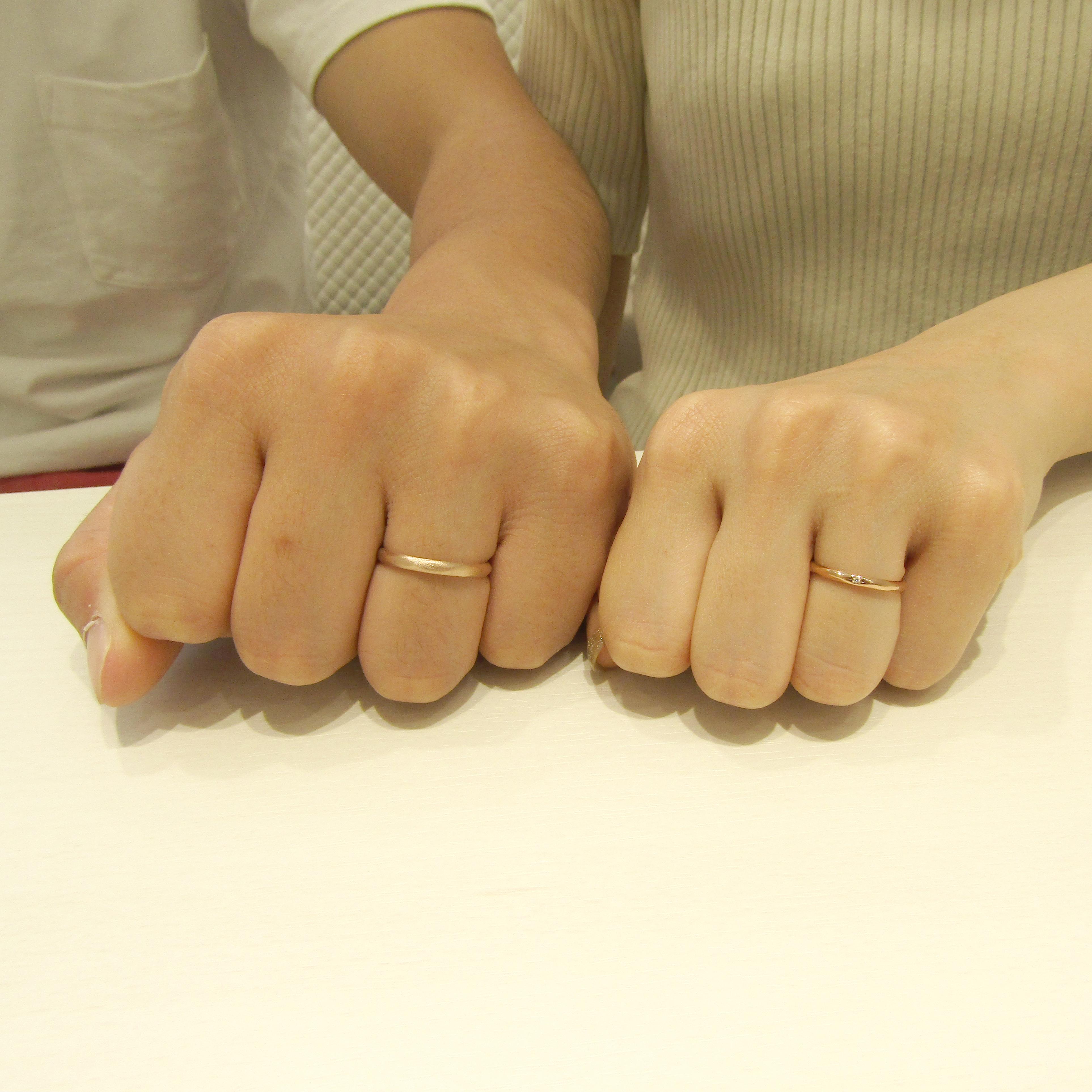 >指輪のデザインが映えるショットをありがとうございます!