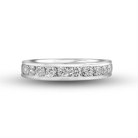 1.0ctのダイヤモンドを使用した贅沢なエタニティリング。PT(プラチナ)とダイヤモンドの相性が抜群です!