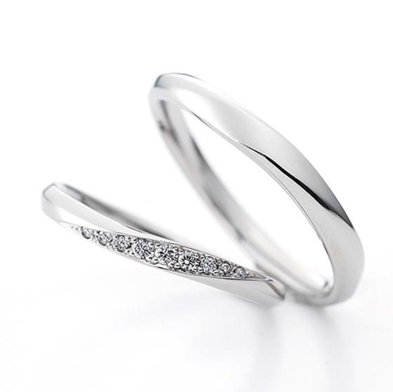 >お二人がお選びいただいた結婚指輪です。たくさんの中から『これだ!』と思って頂けたようです♡