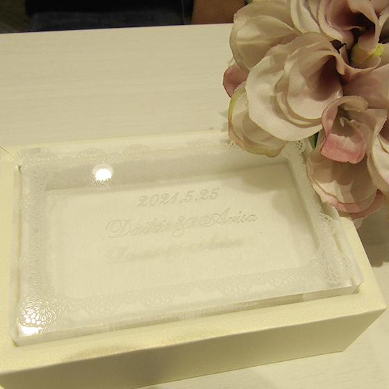 >お選び頂いたブランドさんからお二人だけの刻印入りのケースをプレゼント!